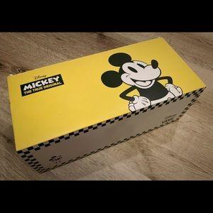 HBD, Mickey Disney Vans